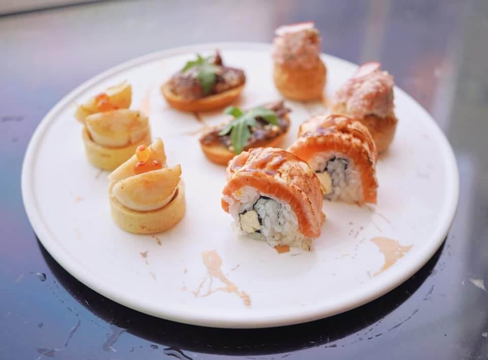 鹹點糅合日本料理製法,加入了不少海鮮製造。