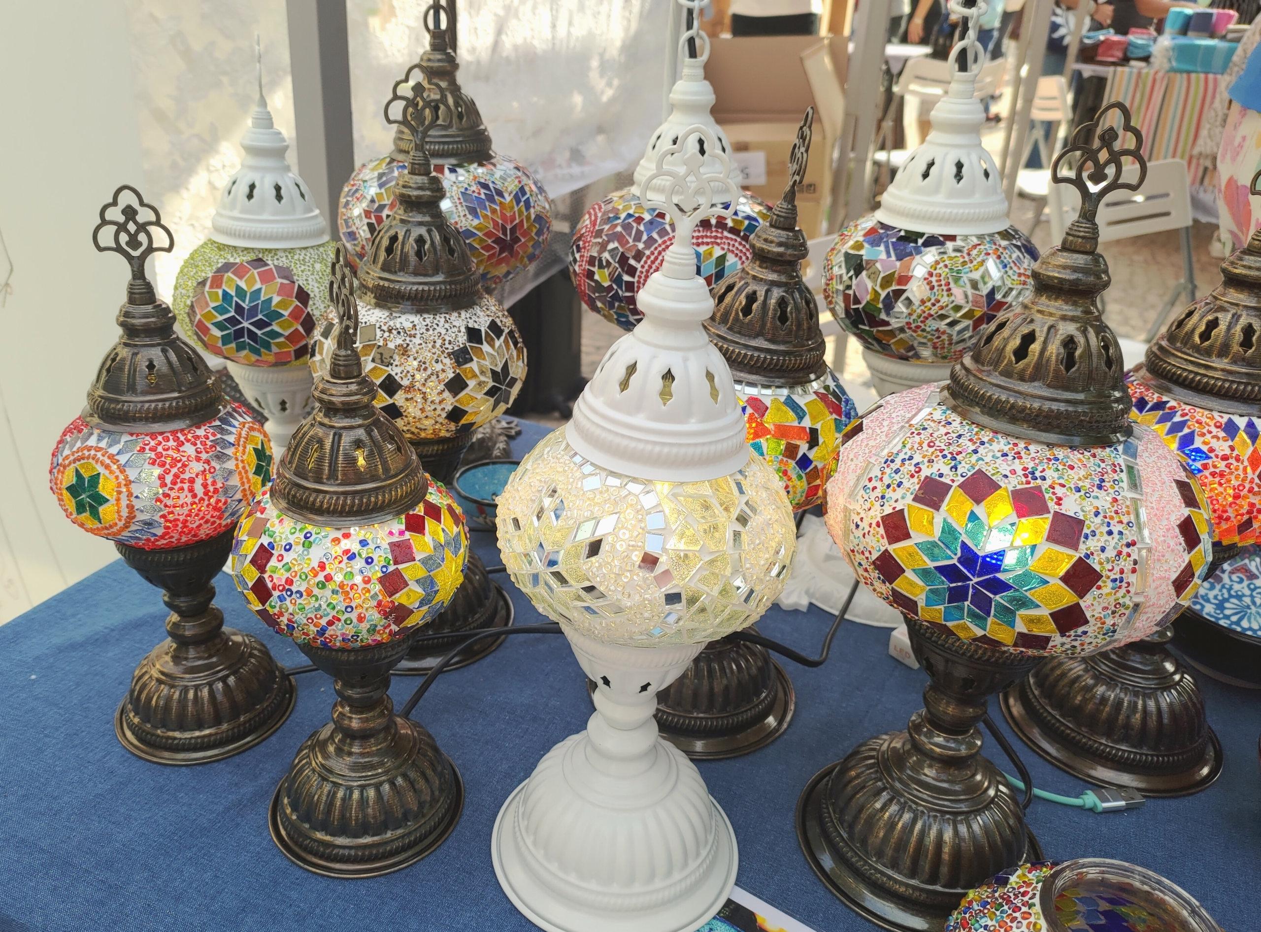 市集產品非常多元化,還有特色的土耳其燈!