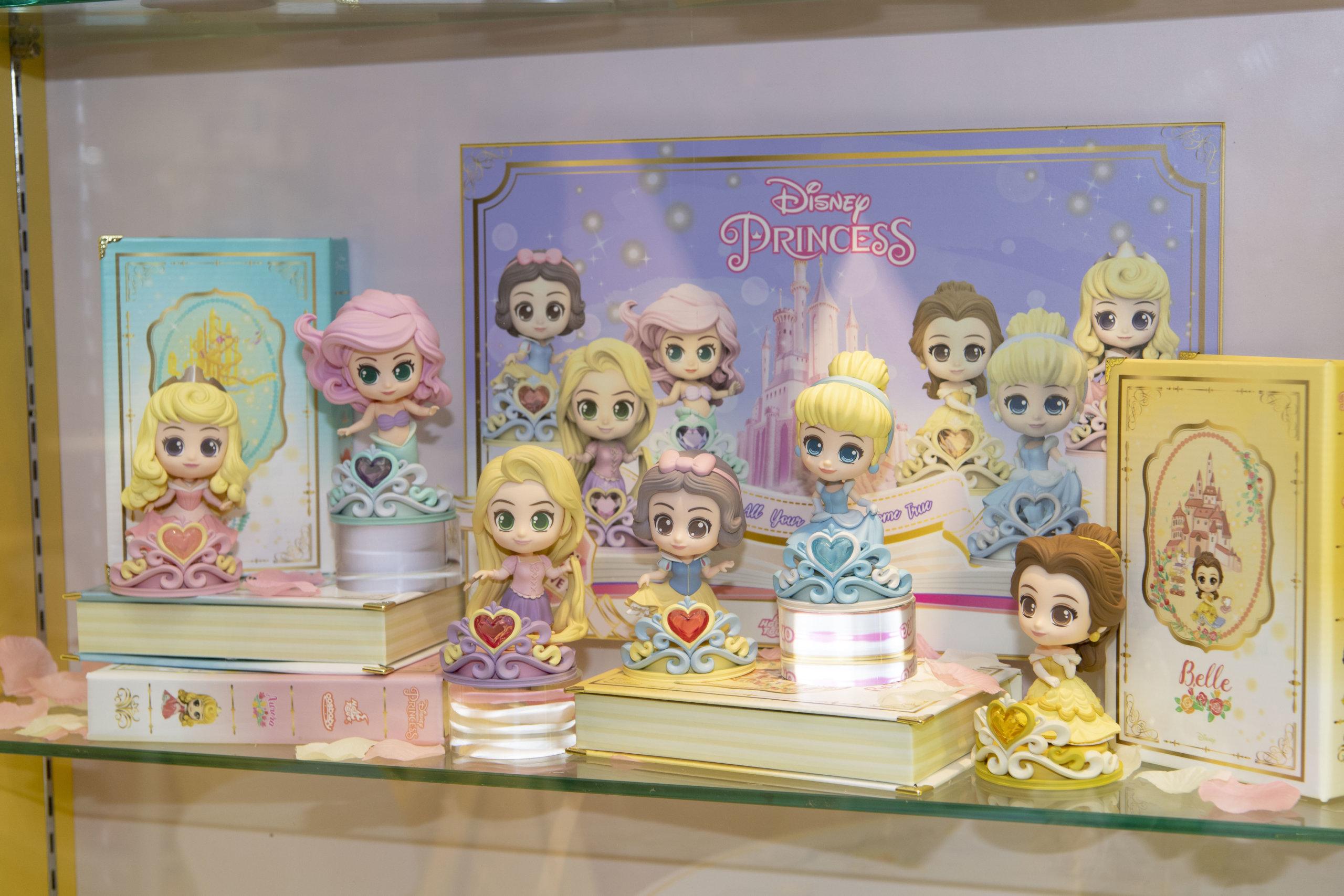 一系列獨家的迪士尼公主精品,大大滿足粉絲們的收集癮!