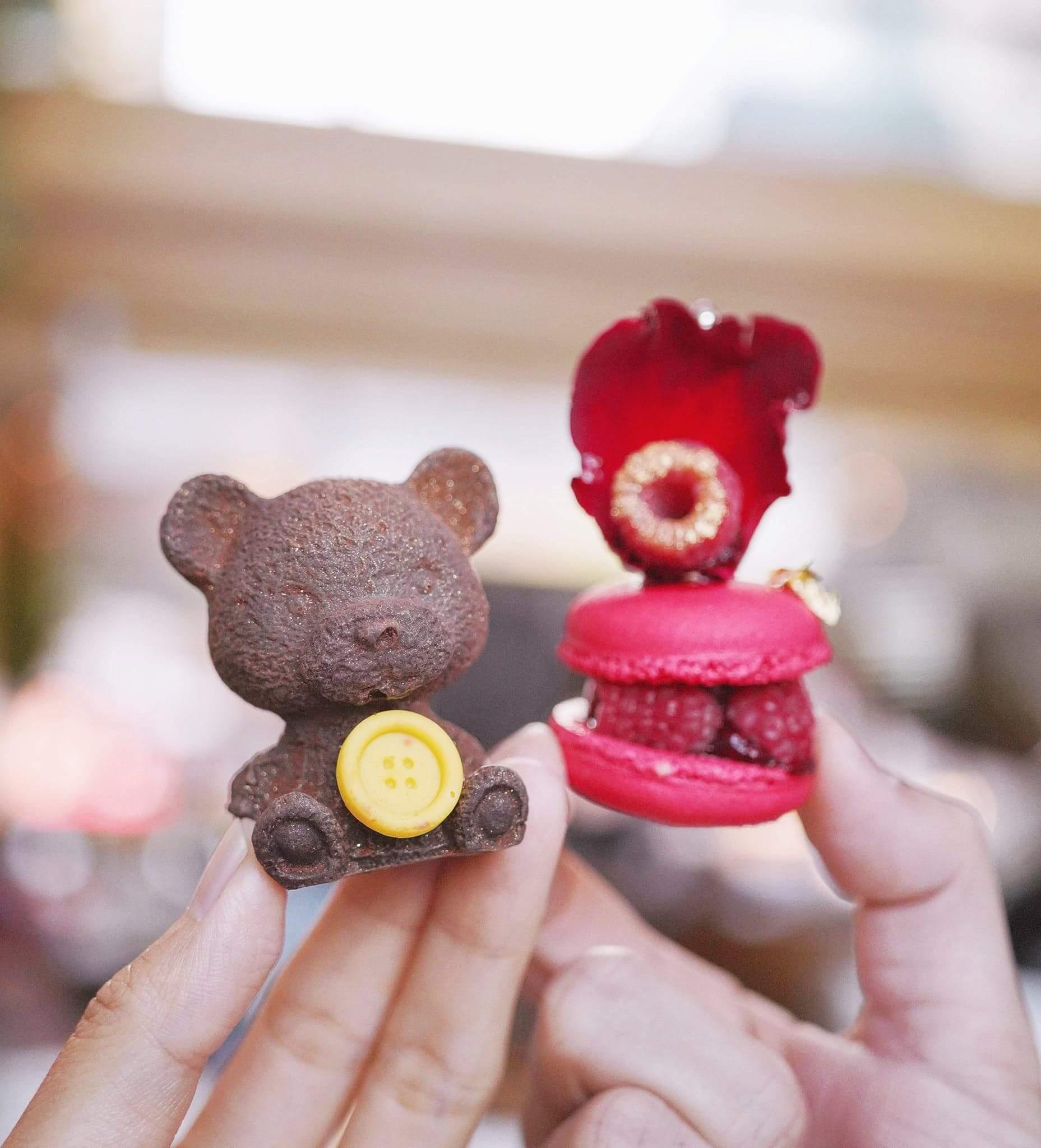 多款甜品中,聖誕ICON朱古力小熊及聖誕馬卡龍最為搶眼!。