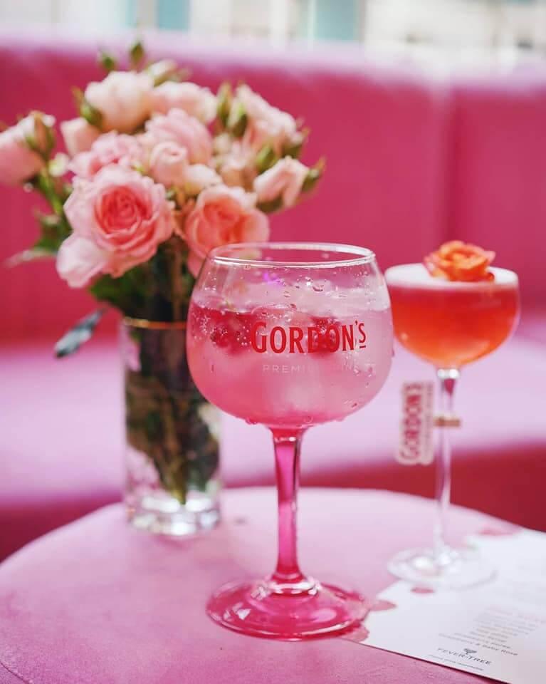 Gordon's Pink & Tonic 口感清爽,容易入口。