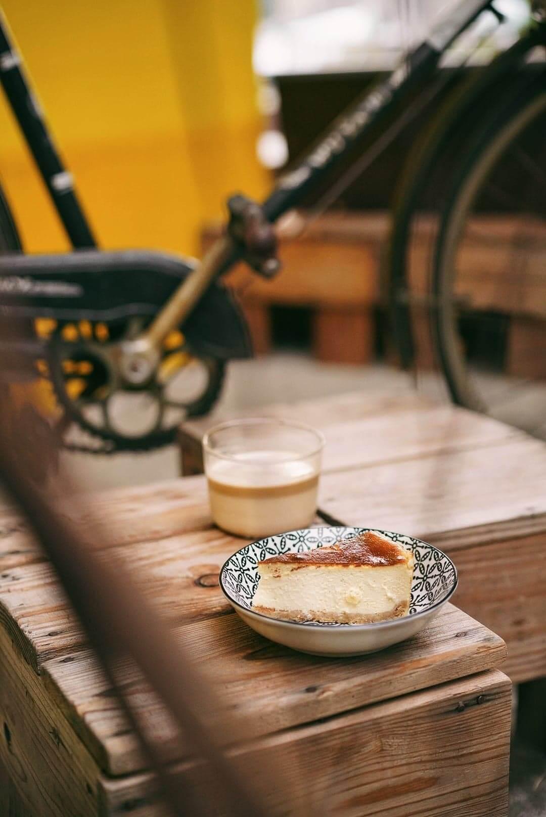 店家的Cheese Cake濃度適中,非常適合配咖啡食用。