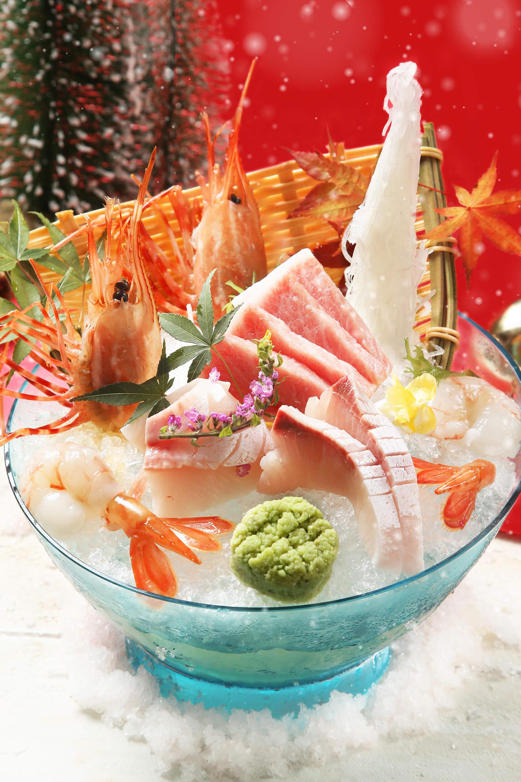 吞拿魚腩刺身盛合有多款日本直送刺身,鮮味十足。