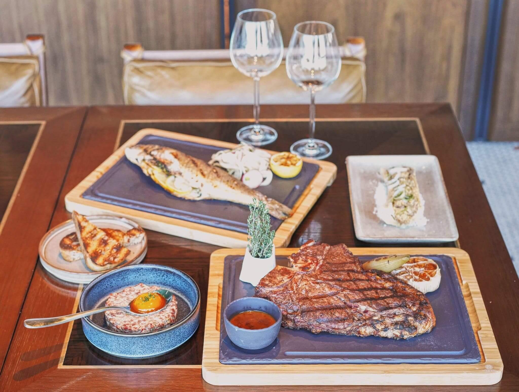 作為東涌世茂喜來登酒店嘅頂層餐廳,Sunset Grill無論食物質素或環境都非常高質。