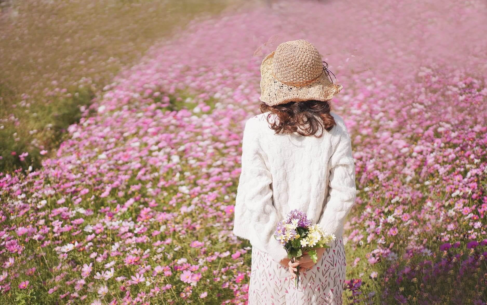 自備花束或帽子,為照片加添休閒感!