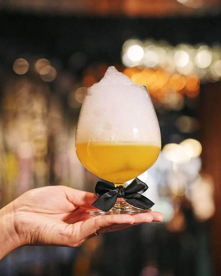 """Woman Derfume""參考YSL經典時尚形象Le Smoking設計,Cocktail 嘅味道好輕盈。"