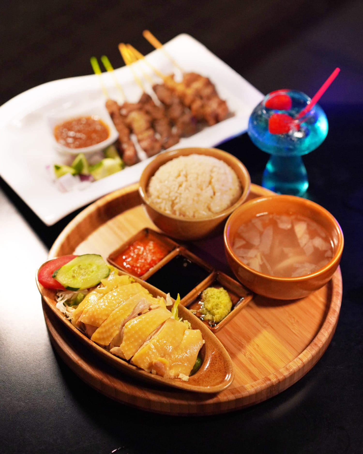 喺Pierside Bar & Restaurant都試到沙嗲軒嘅招牌美食!