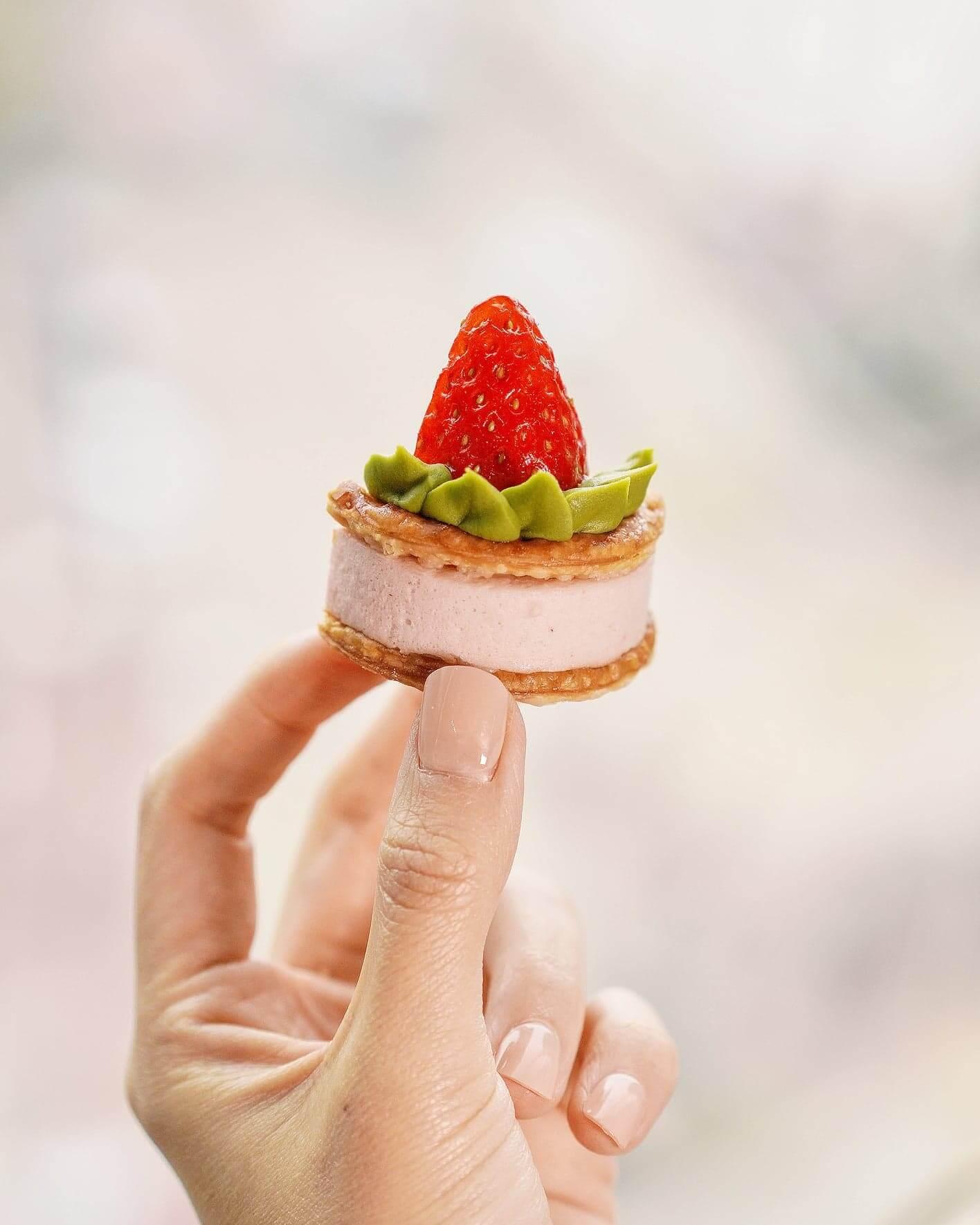 草莓抹茶朱古力千層酥。