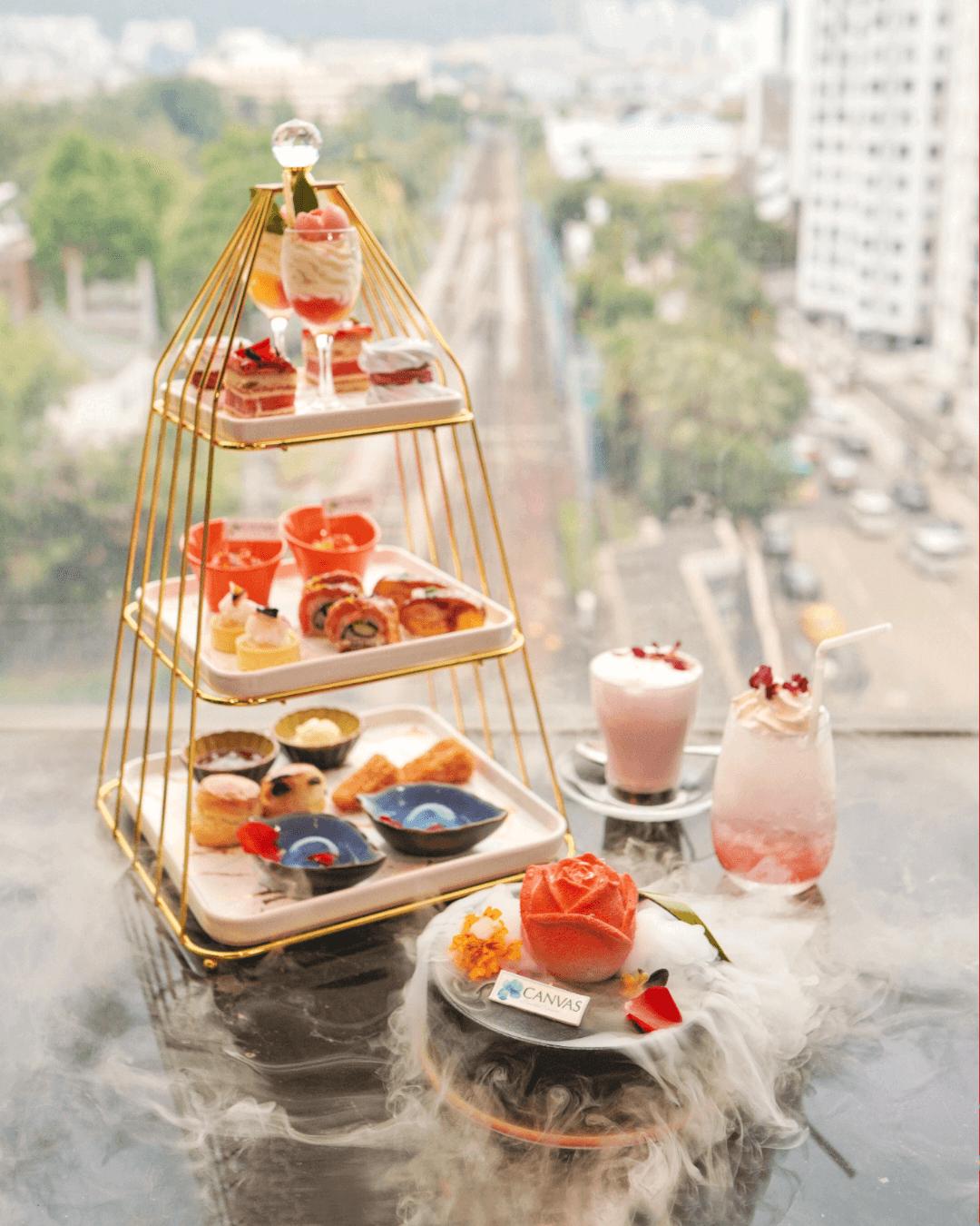 帝京酒店 Lion Rock 聯乘澳洲有機香薰護膚品牌CANVAS嘅「瑰麗仙境下午茶」。