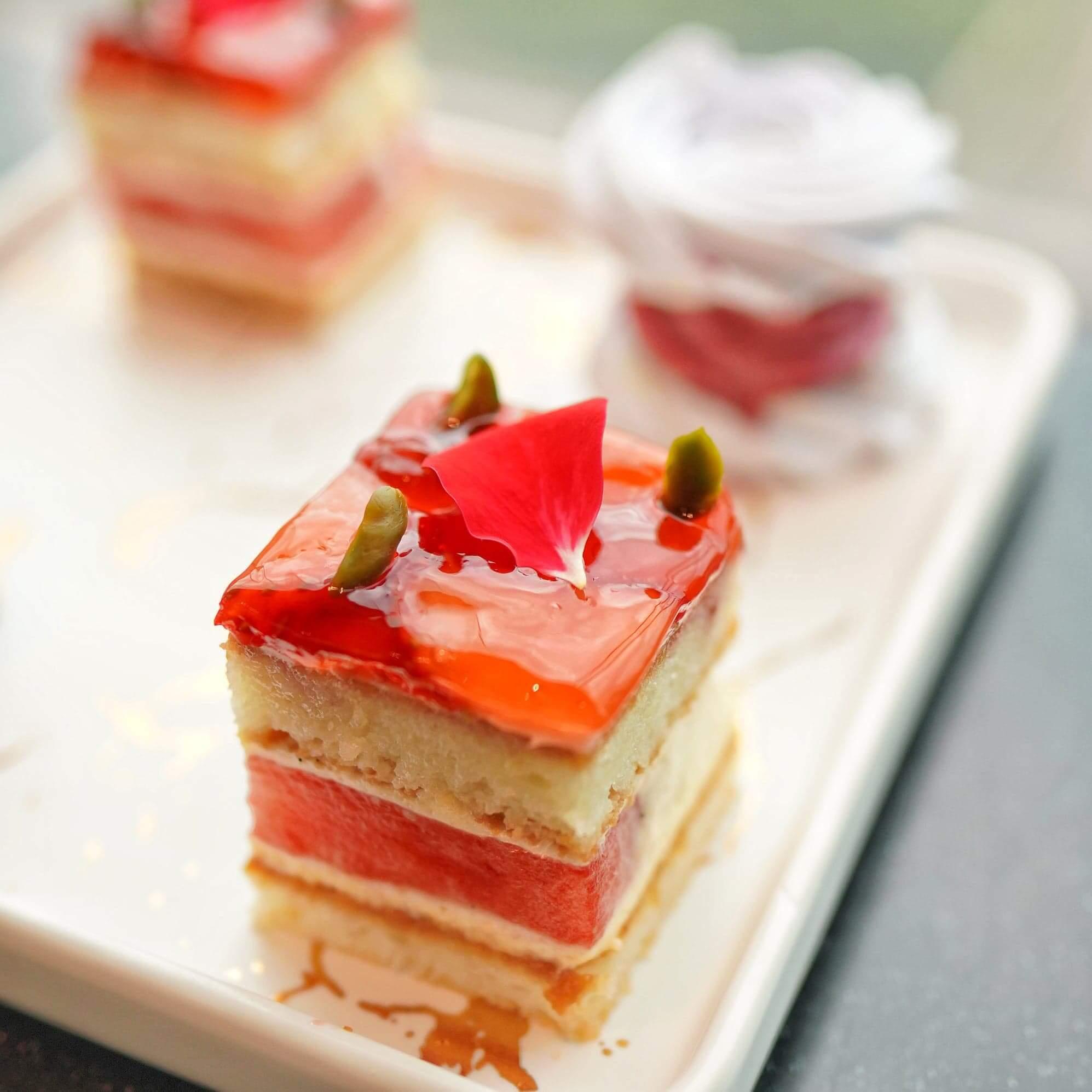 玫瑰草莓西瓜蛋糕