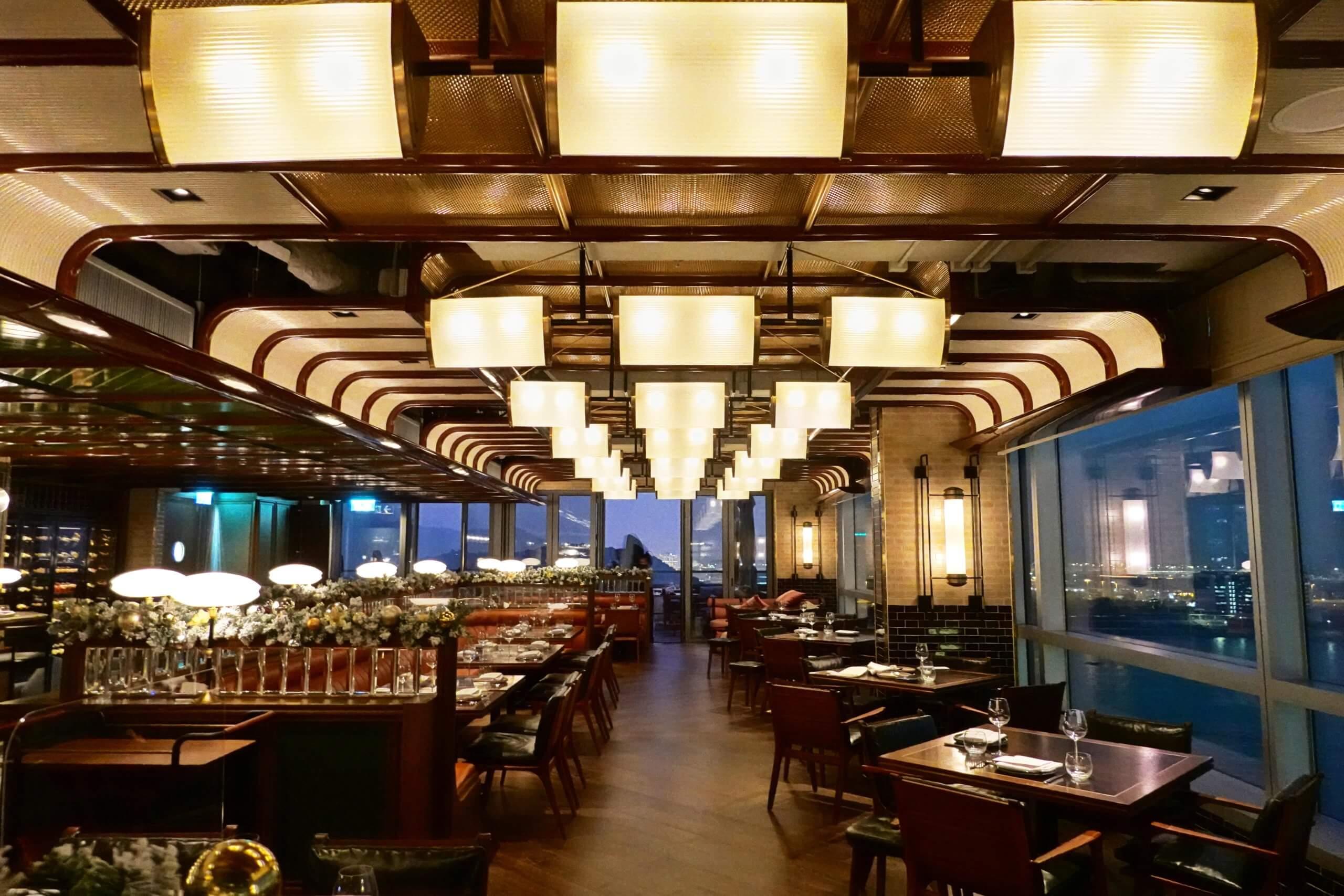 餐廳餐廳設計走懷舊美式風,精緻華麗。