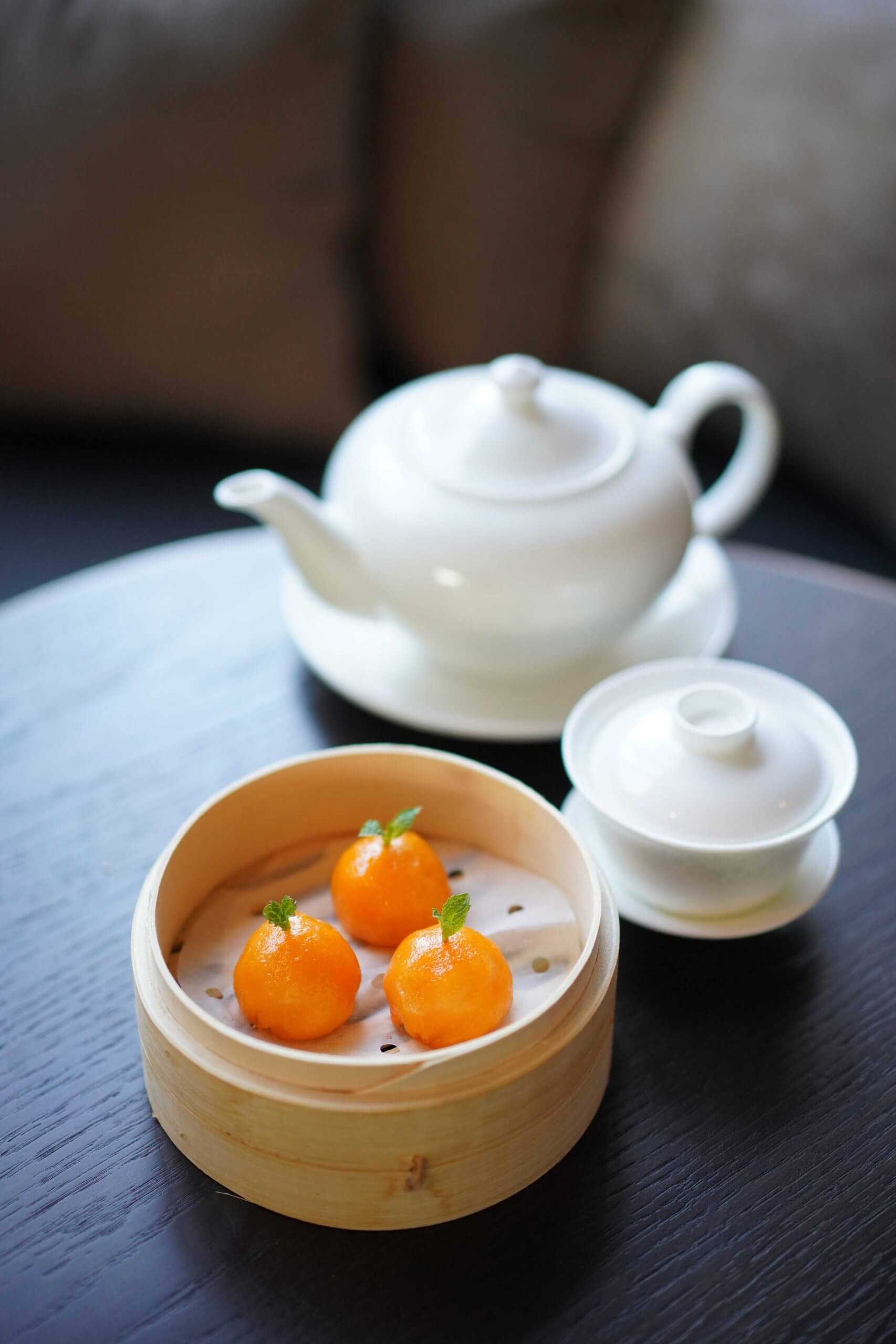 餐廳最出名柚子蝦餃。