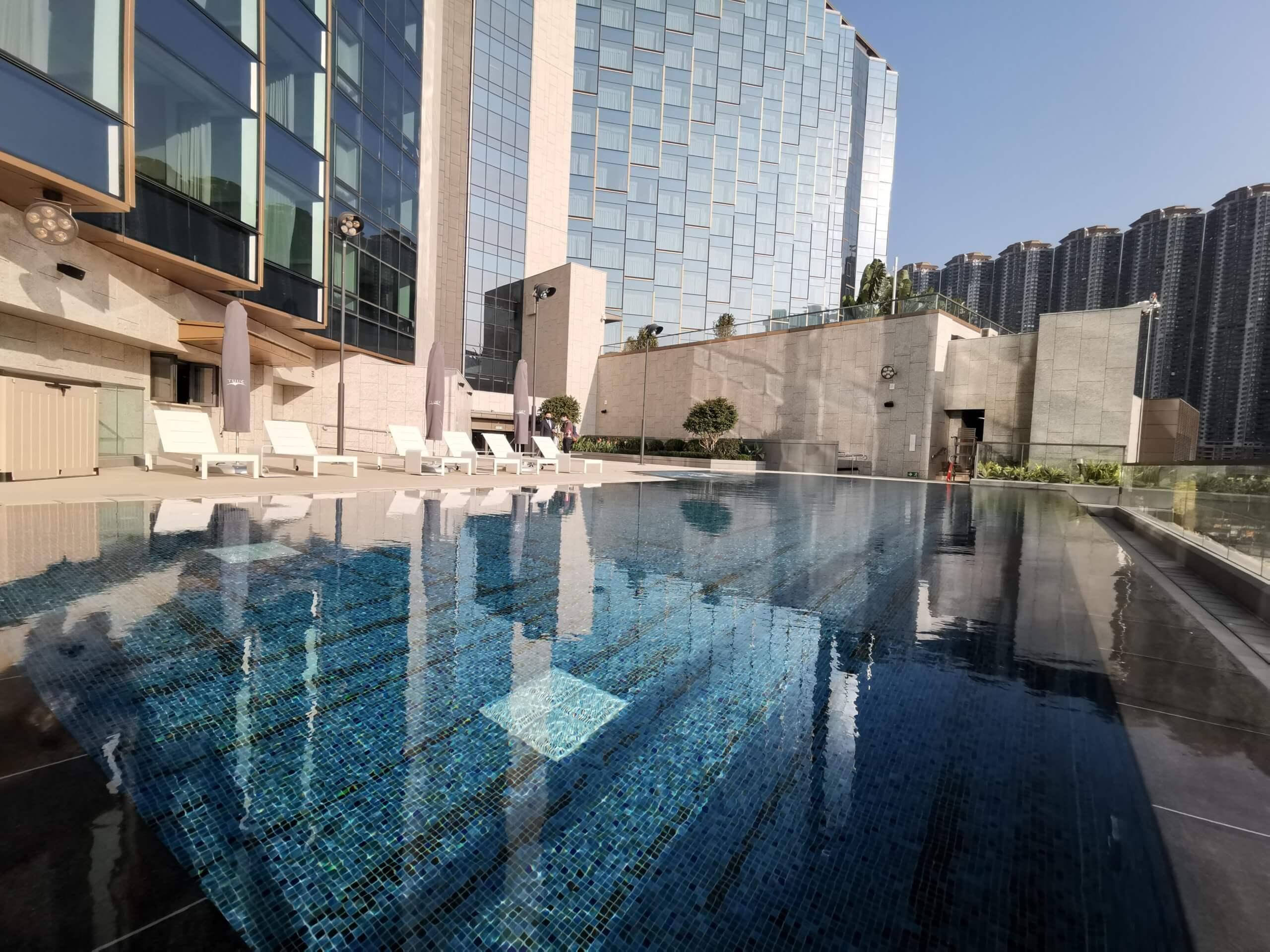 泳池另一邊對正房景,景色不錯。