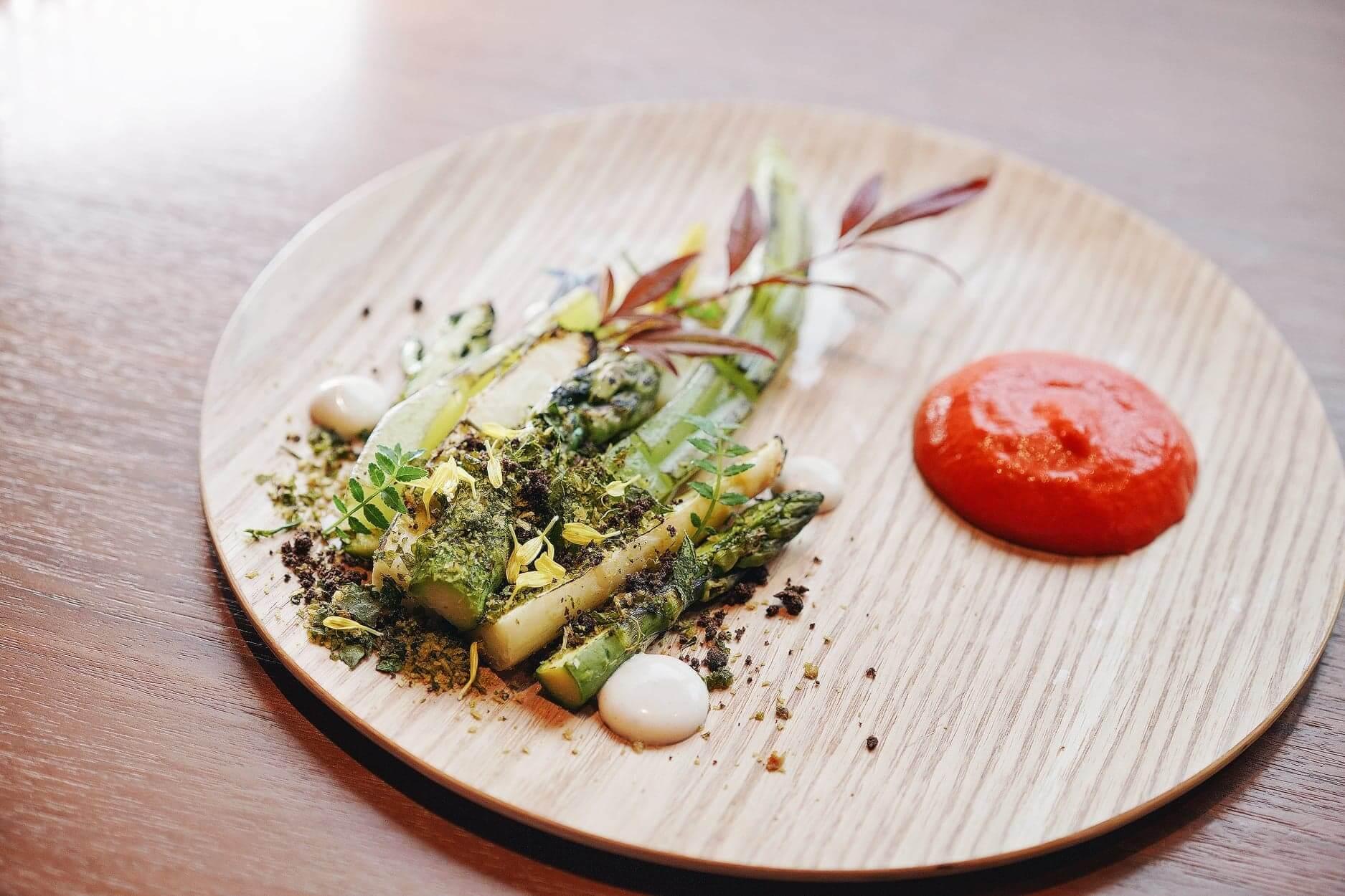 鹽燒萵筍,帶出蔬果鮮甜口感。