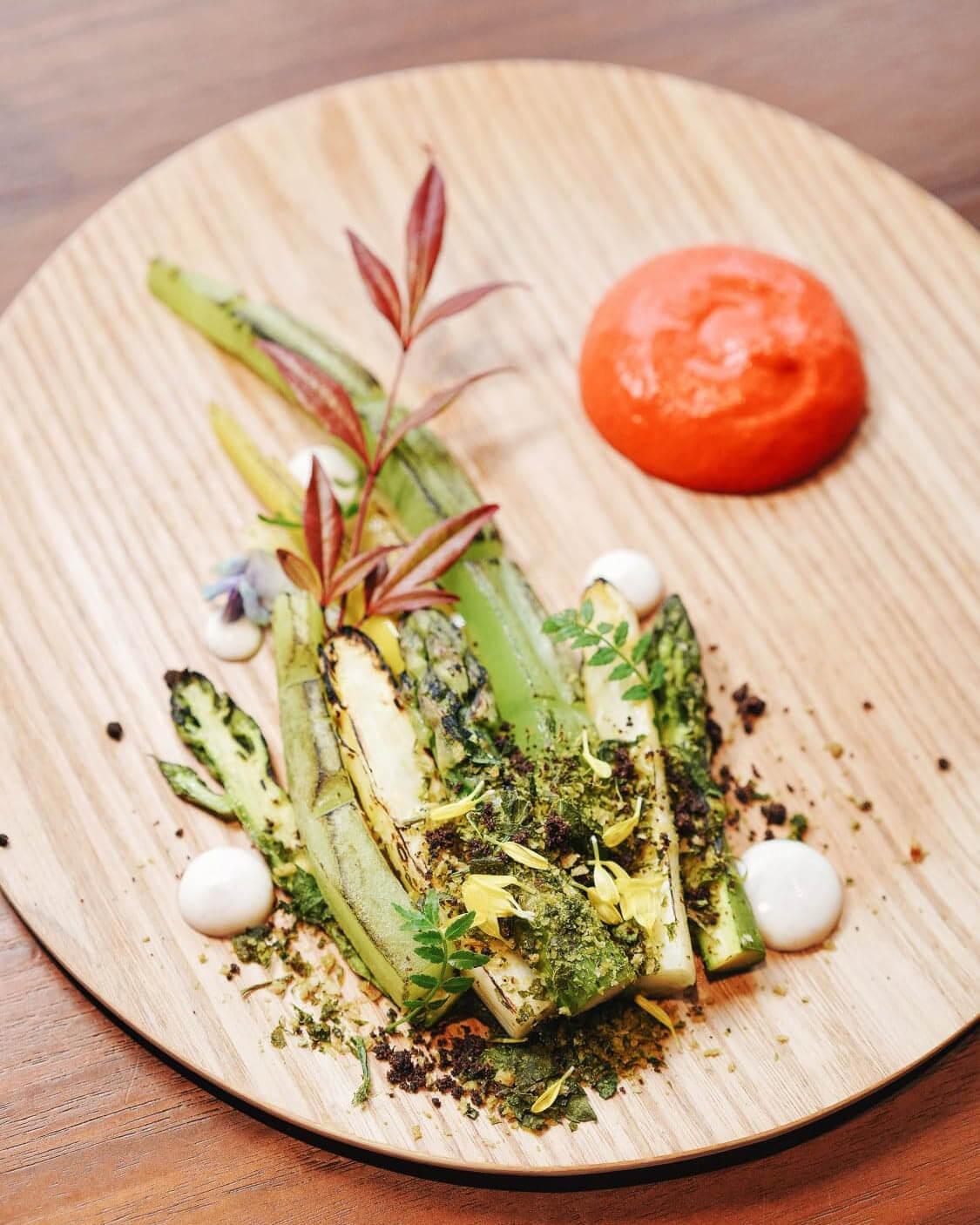 以日本江戶時代畫師歌川國丸作品為題,打造菜餚。