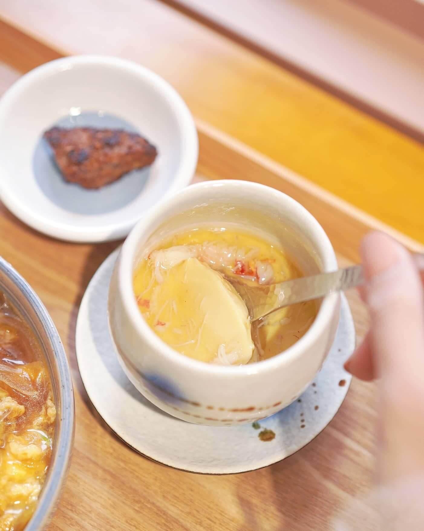 松葉蟹肉茶碗蒸,略嫌質地實咗啲,未有入口即化嘅口感。