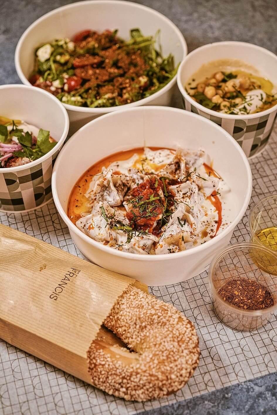 FRANCIS餐飲靈感源自以色列特拉維夫嘅街頭美食。