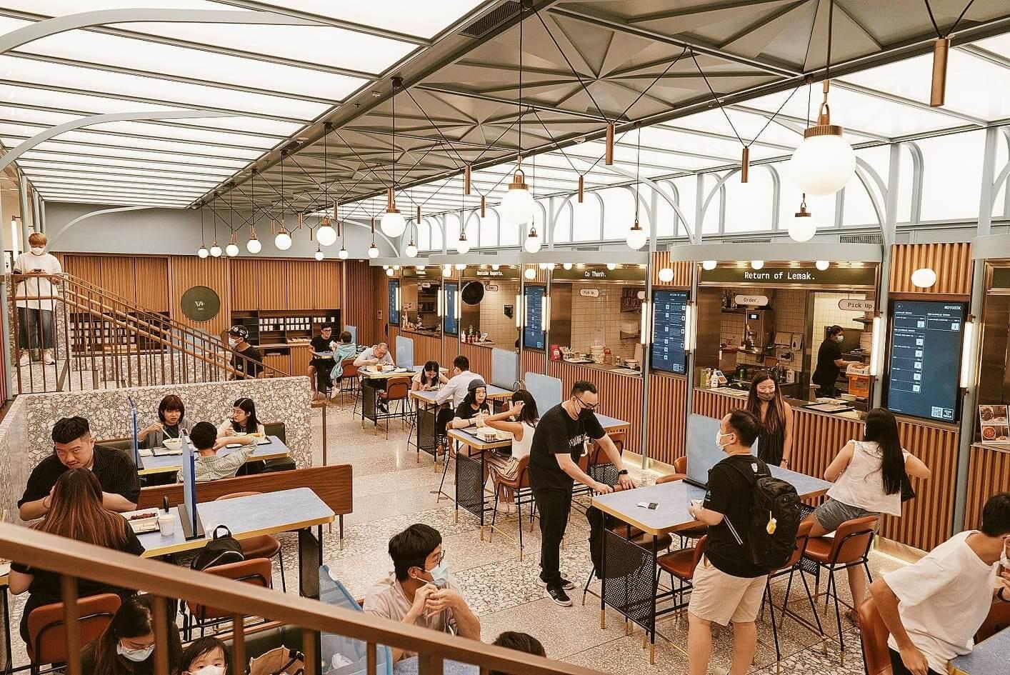 BaseHall設計概念來自1970年代嘅怡和大廈,設計師透過空間布置、燈光等重塑80年代嘅復古風情。