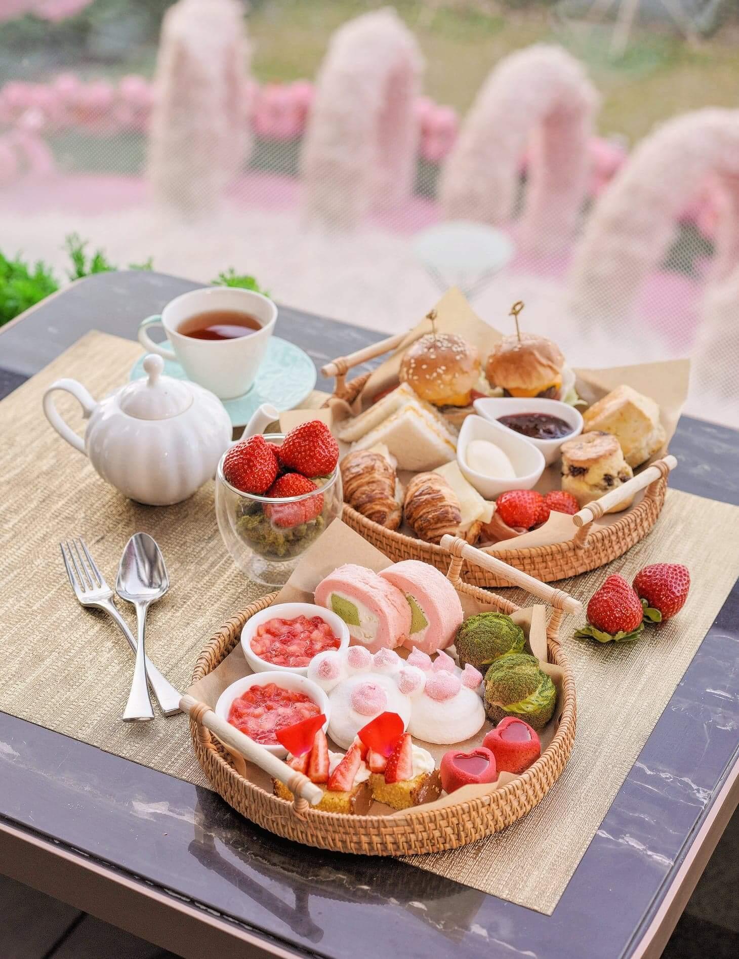 以「博多甜王」打造嘅夢幻下午茶,最啱情人節同一半去食!