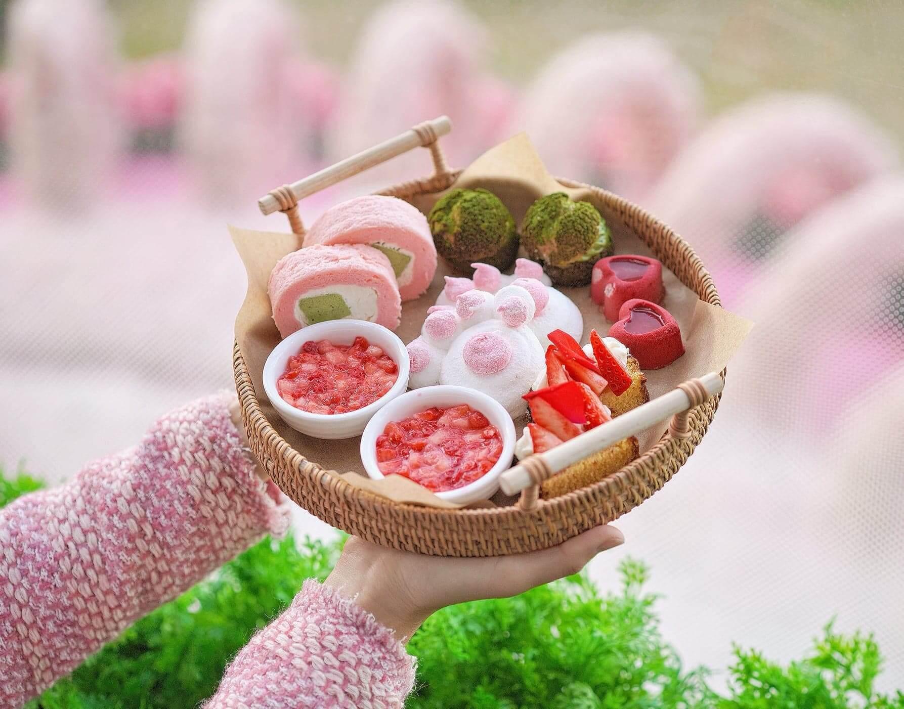 五款甜品均由日藉大廚以福岡頂級「博多甜王」草莓製作。