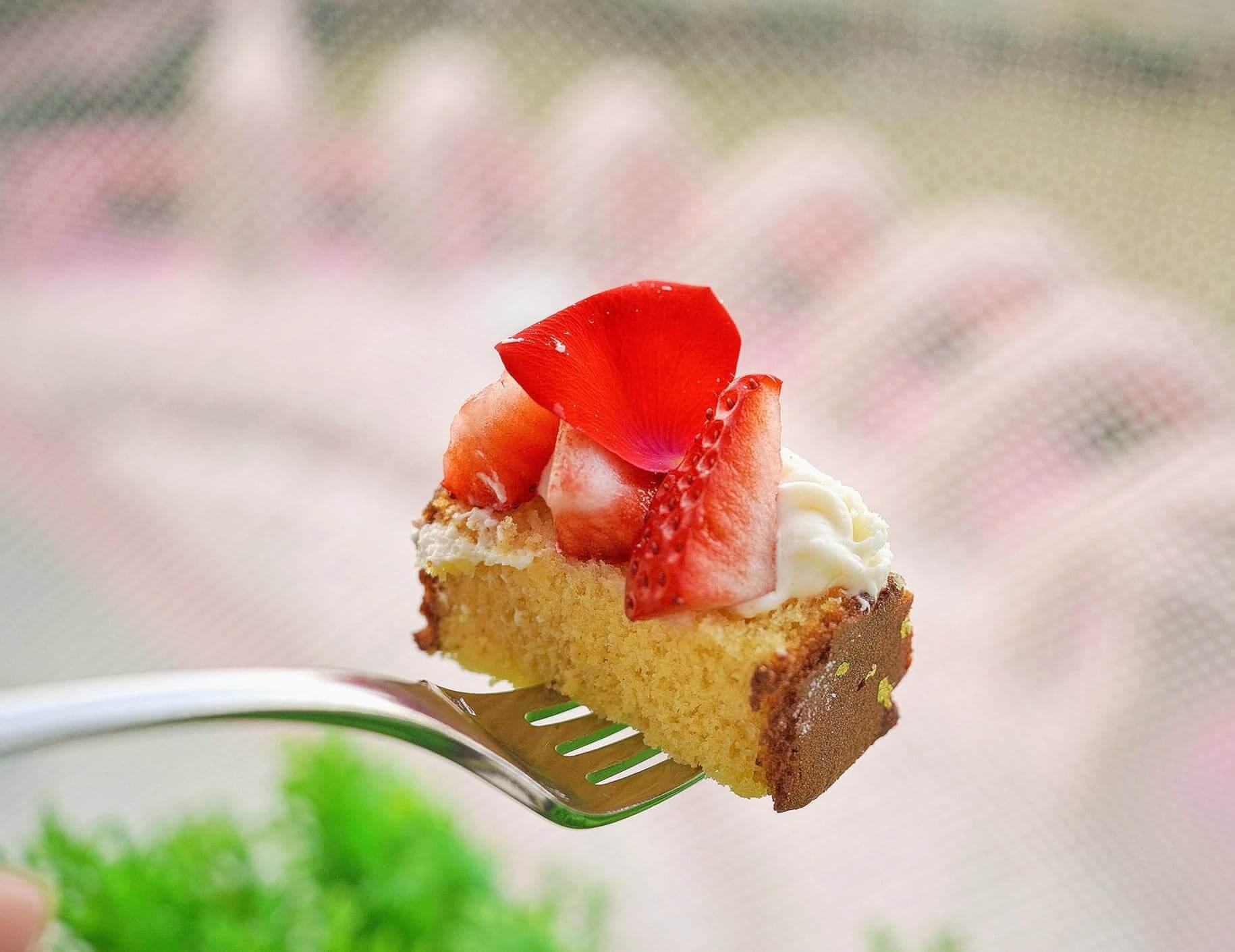 長崎豪斯登堡蜂蜜蛋糕配博多甜王草莓