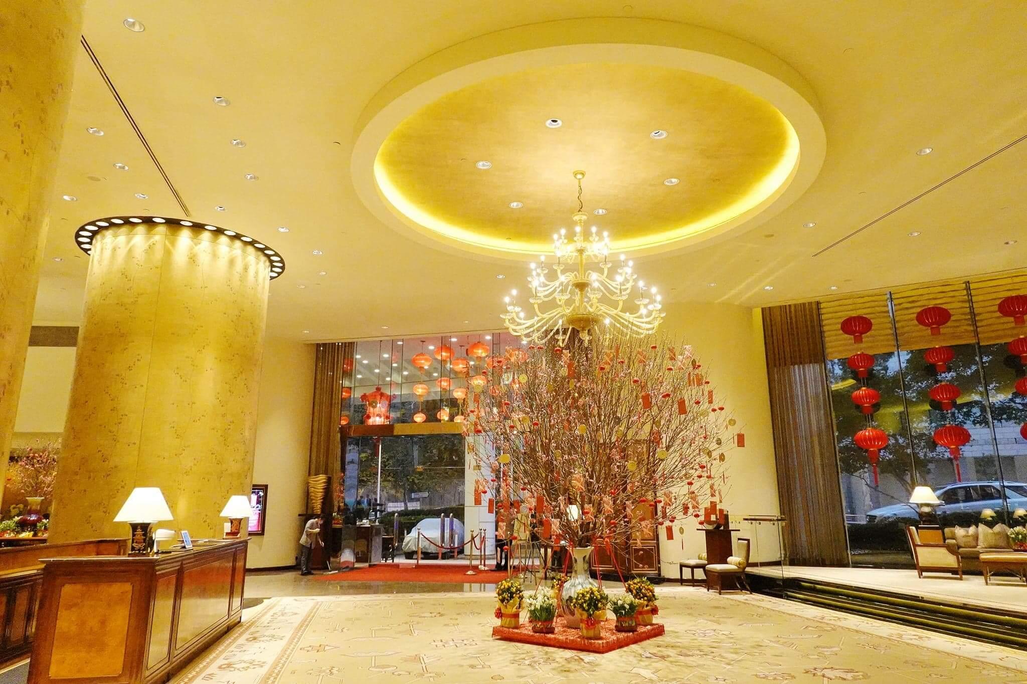 港麗酒店樂聚廊都換上咗新年布置。