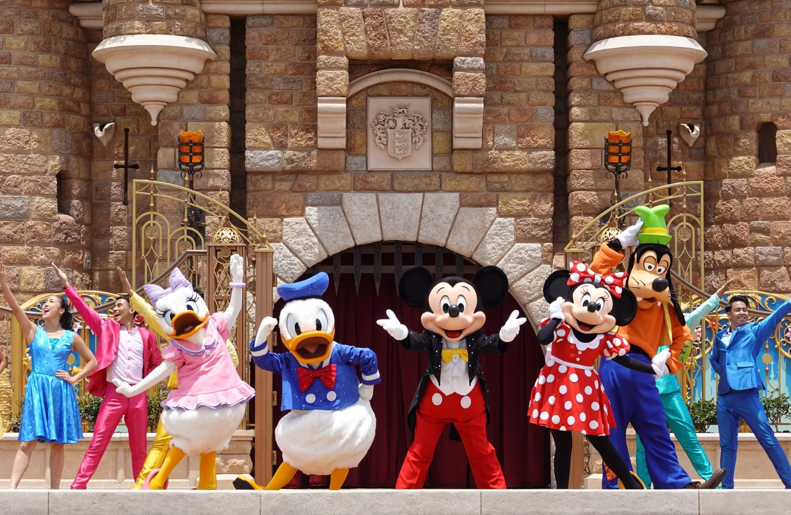 整個表演,歌手將會即場演唱有九首音樂,加上迪士尼主角載歌載舞,場面熱鬧。