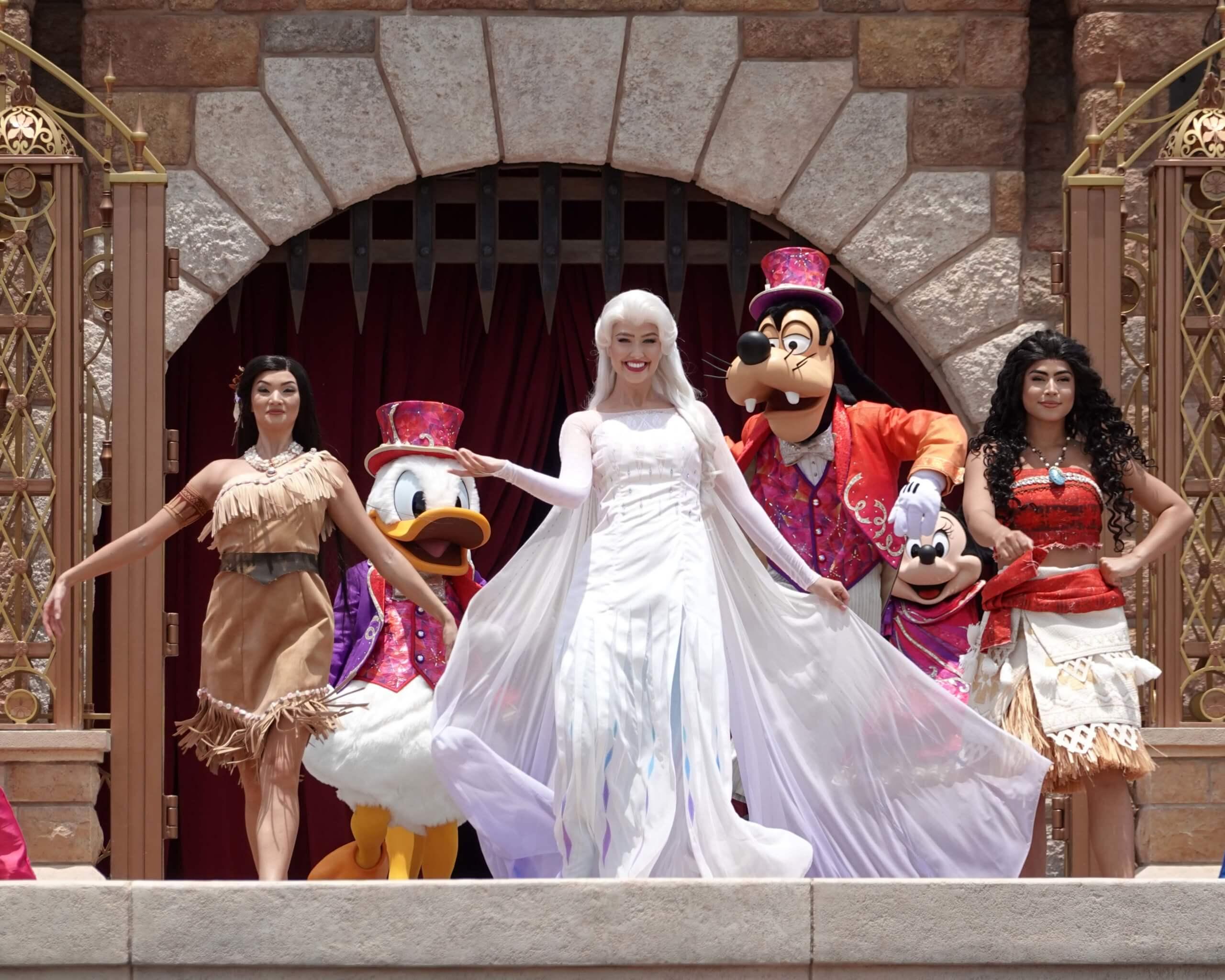 寶嘉康蒂、慕安娜、愛莎女王,三位勇敢嘅公主及女王同場,透過其冒險故事及樂曲,啟發賓大家無懼未知未來,敢於追夢。