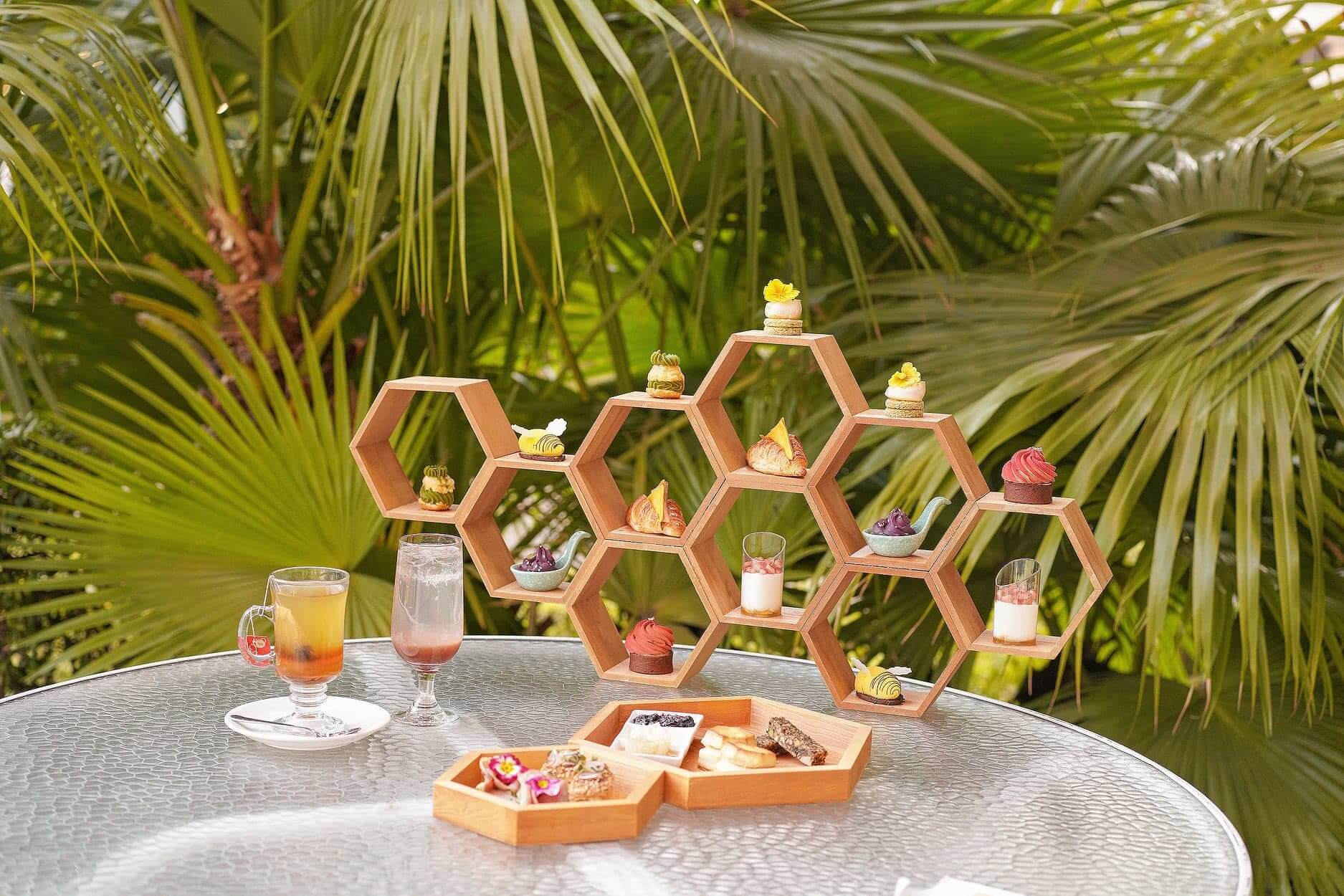 造型精致嘅甜蜜「蜂」味下午茶。