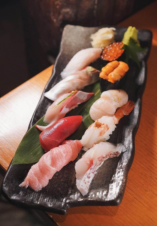 特上10件壽司 HK$568 權八壽司嘅食材每日均由日本新鮮直送,再經經驗老師父處理及製作,非常高質。