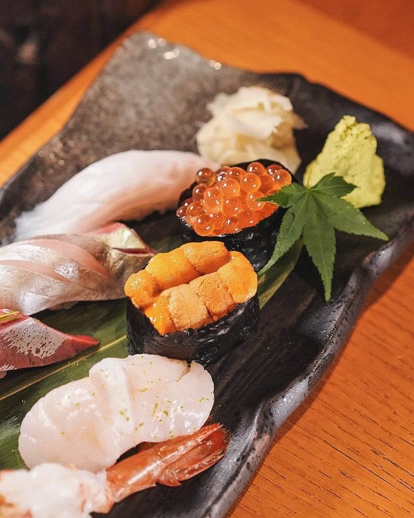新鮮海膽及三文魚籽,令人食指大動!