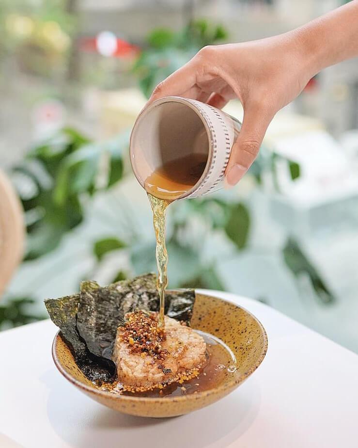 燒飯團茶漬飯 HK$32