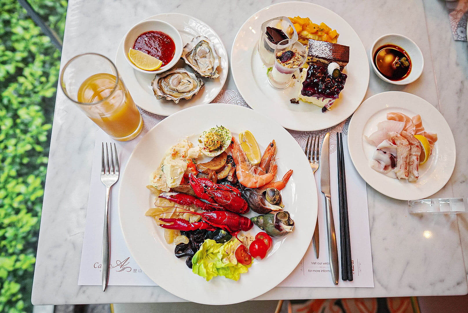凍海鮮、刺身或中西美食,整體質素都唔錯。