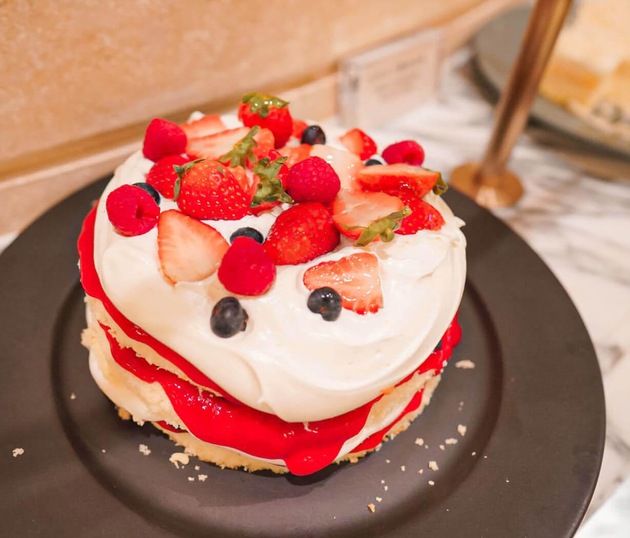 伊頓雜莓蛋糕
