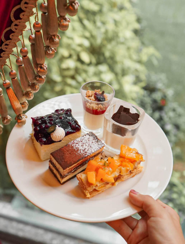 餐廳有近2-30款蛋糕及雪糕,以自助餐嚟講算多!