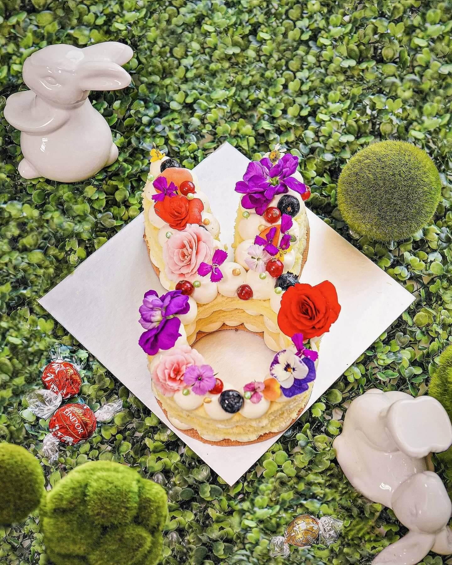 「復活兔層層疊」海綿蛋糕。