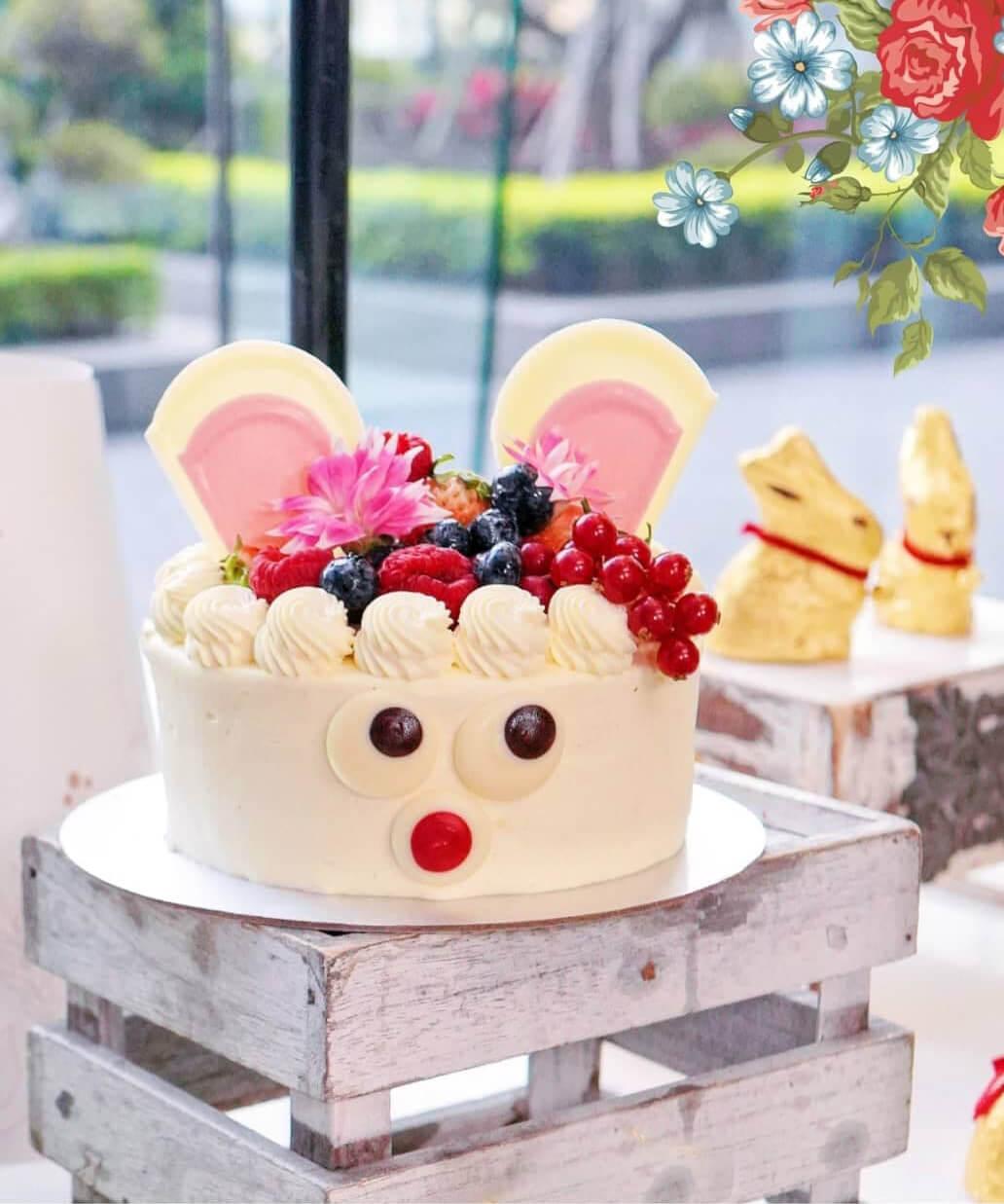 深受小朋友歡迎嘅「無粉朱古力復活兔蛋糕」。