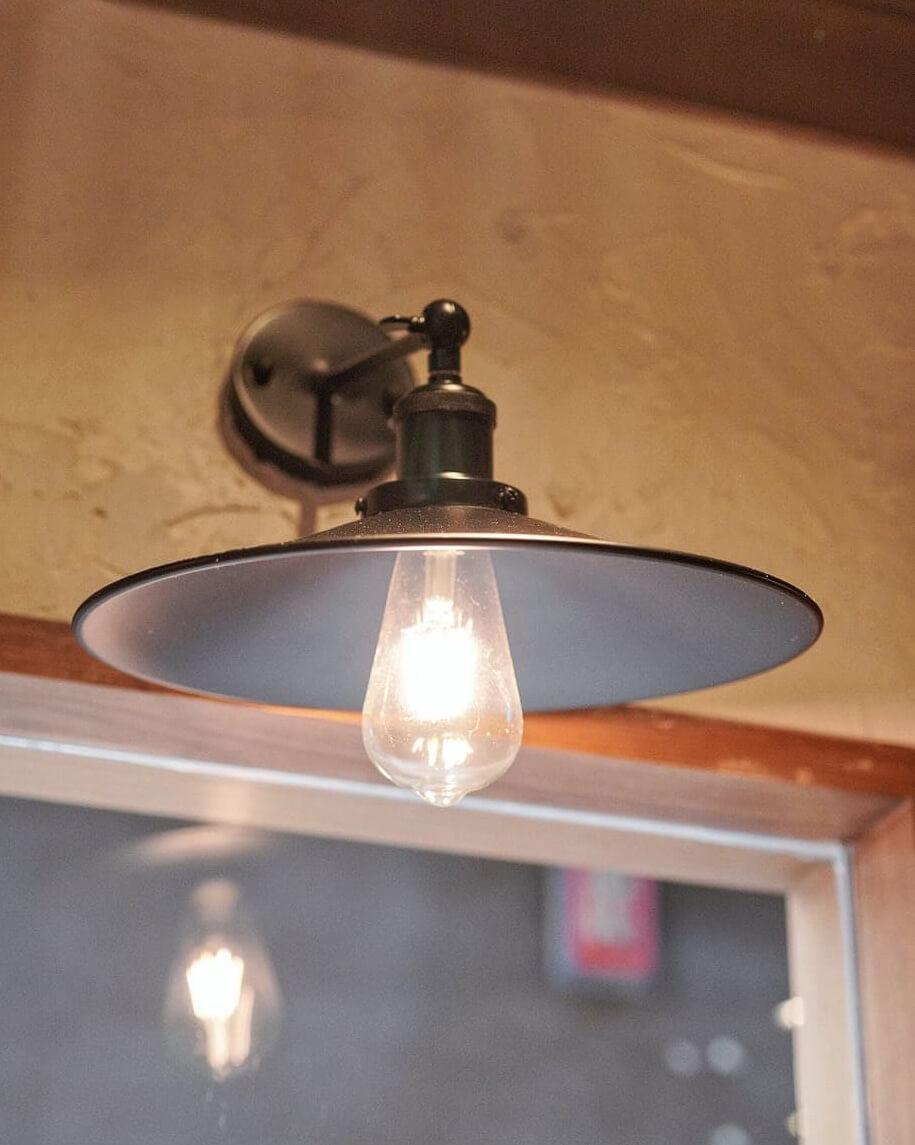 復古鎢絲燈。