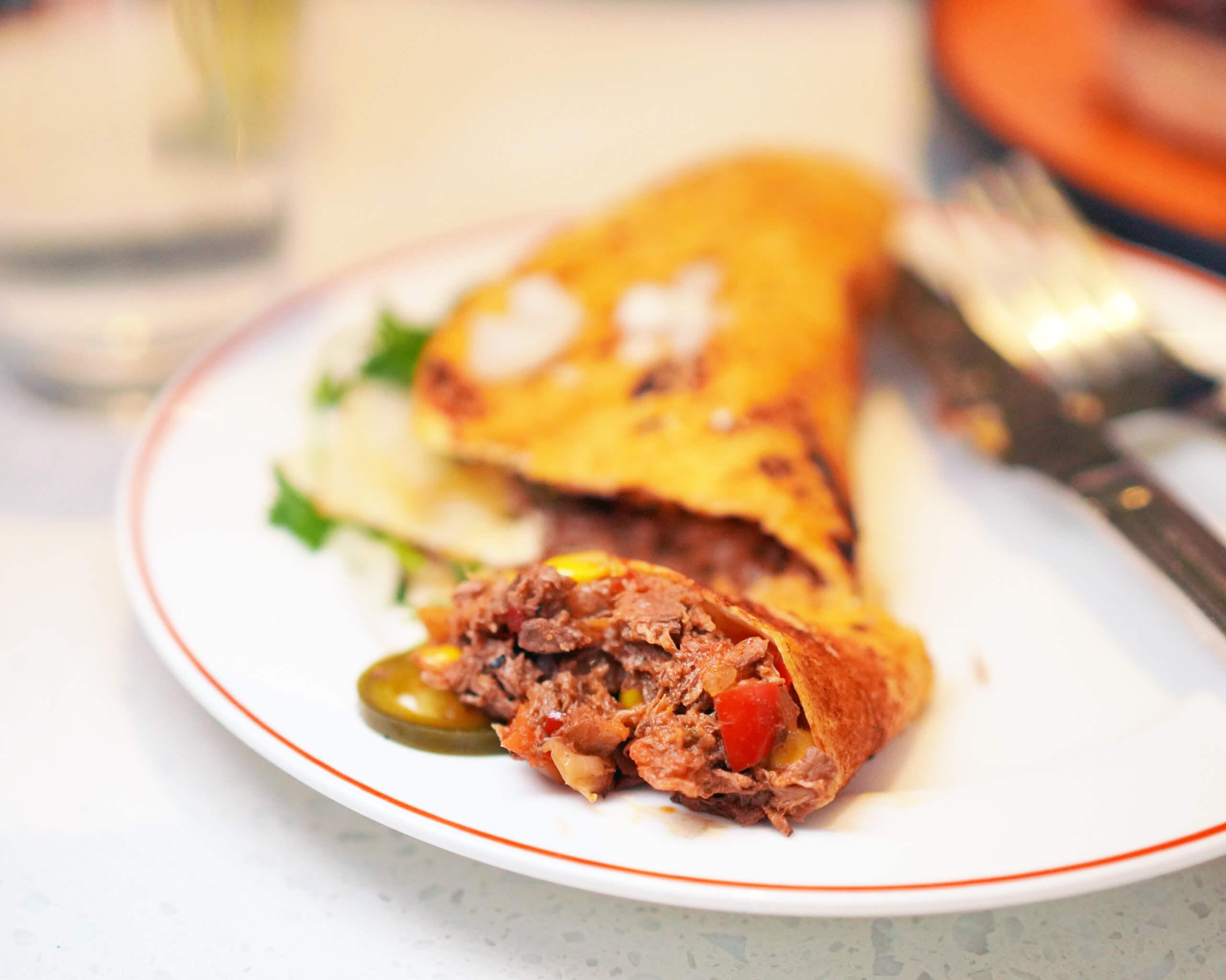 食Taco時,小編一度以為係真肉,因為KARANA全植物豬 肉真係太像真!