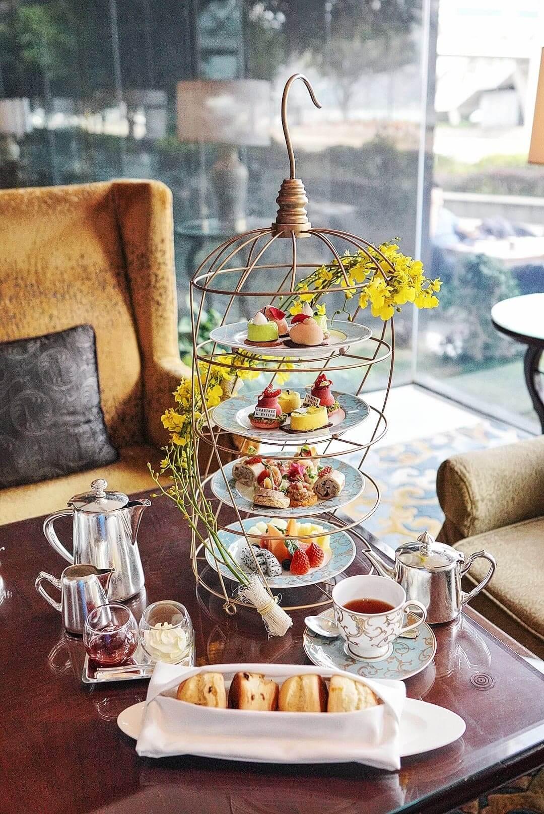 "Kowloon Shangri-La聯乘Crabtree & Evelyn出咗全新嘅""Dare To Be Different 拒絕平庸""下午茶。"