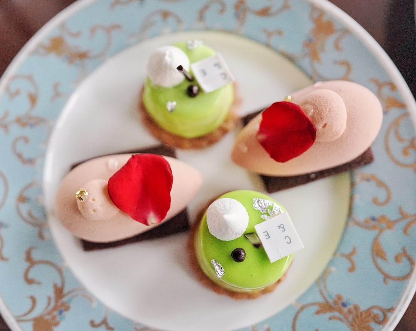 第2層甜品以慕絲為主。