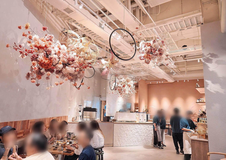 以櫻花為主題,打造嘅雅致空間。