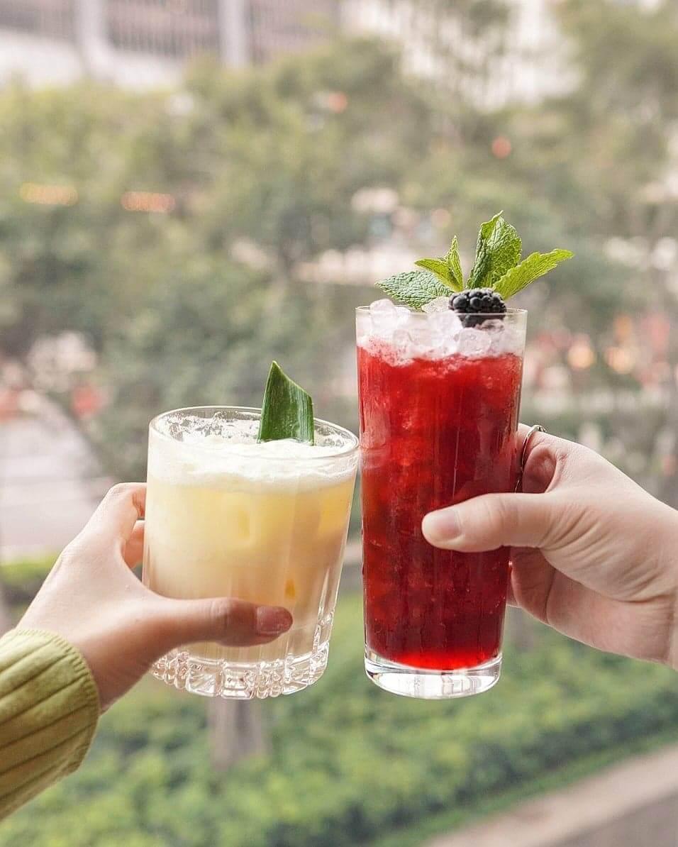 左:Guilty Pleasure無酒精雞尾酒;右:Weigh to Go 含酒精雞尾酒