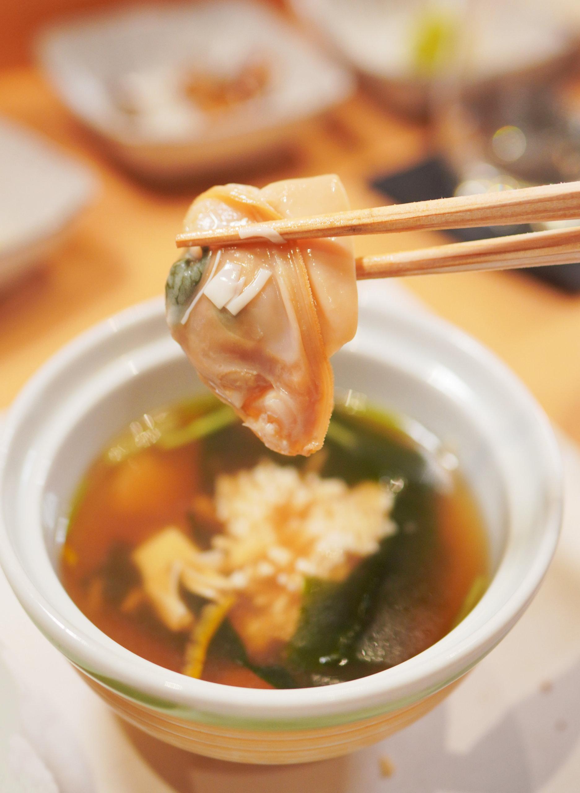 味噌湯極足料,好多昆布及礿腐皮絲,入面仲有大大隻肥蜆!
