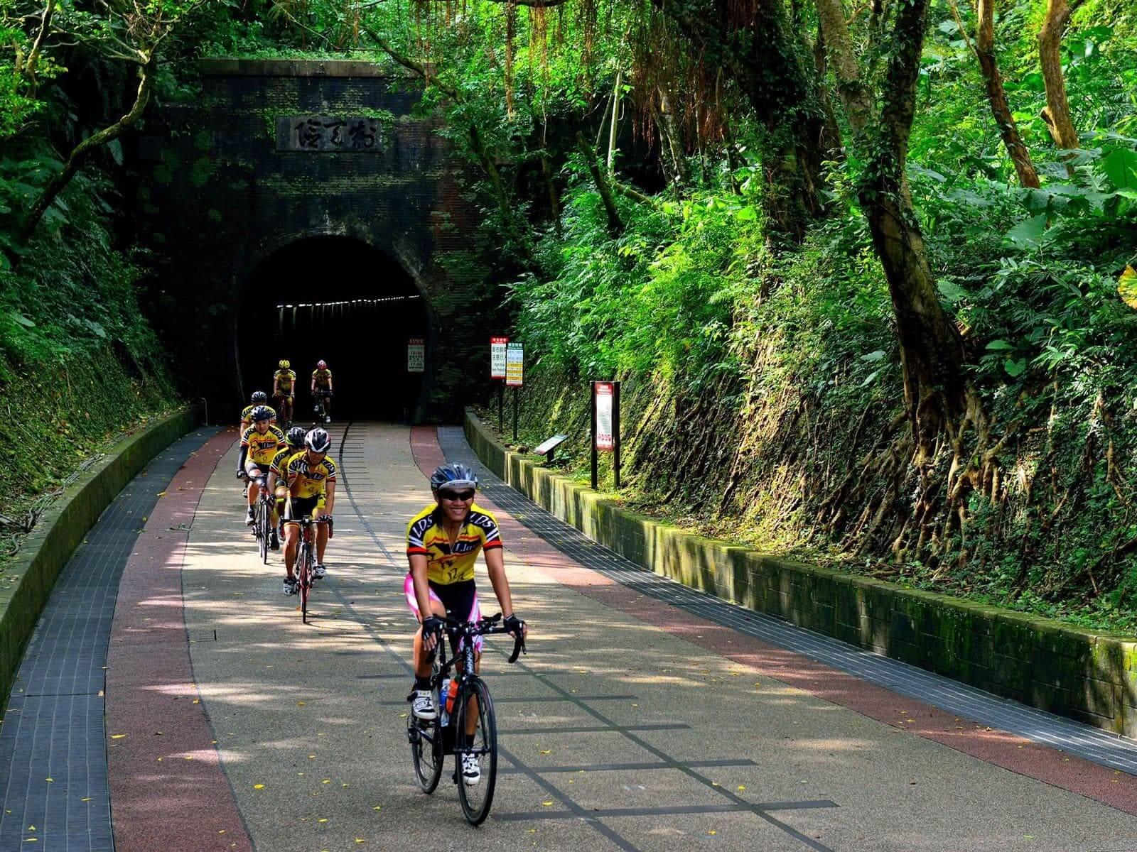 「樂活運動」結合今年2021自行車旅遊年元素,以單車遊走山海秘境。