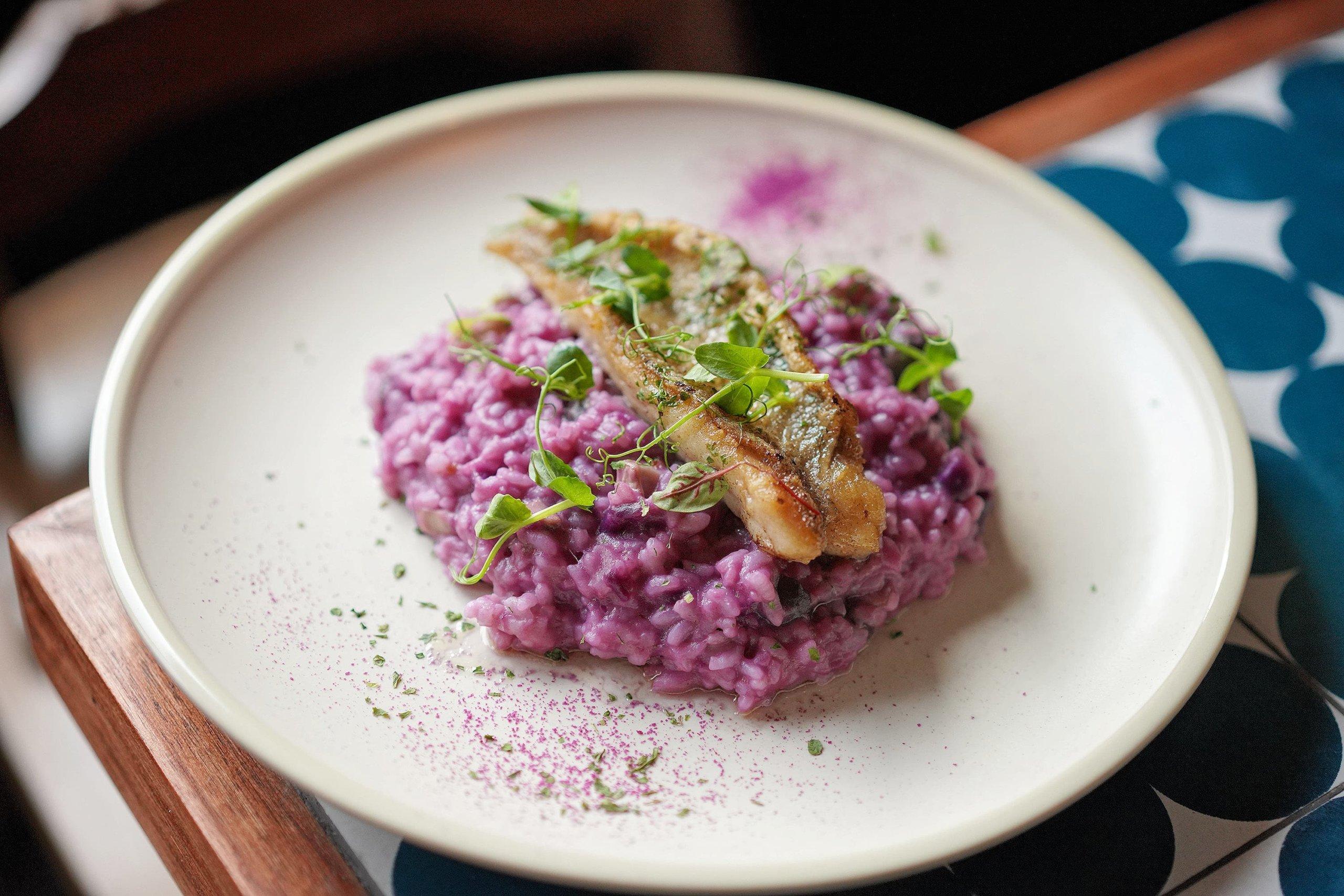 野菌紫薯飯配香煎石班魚