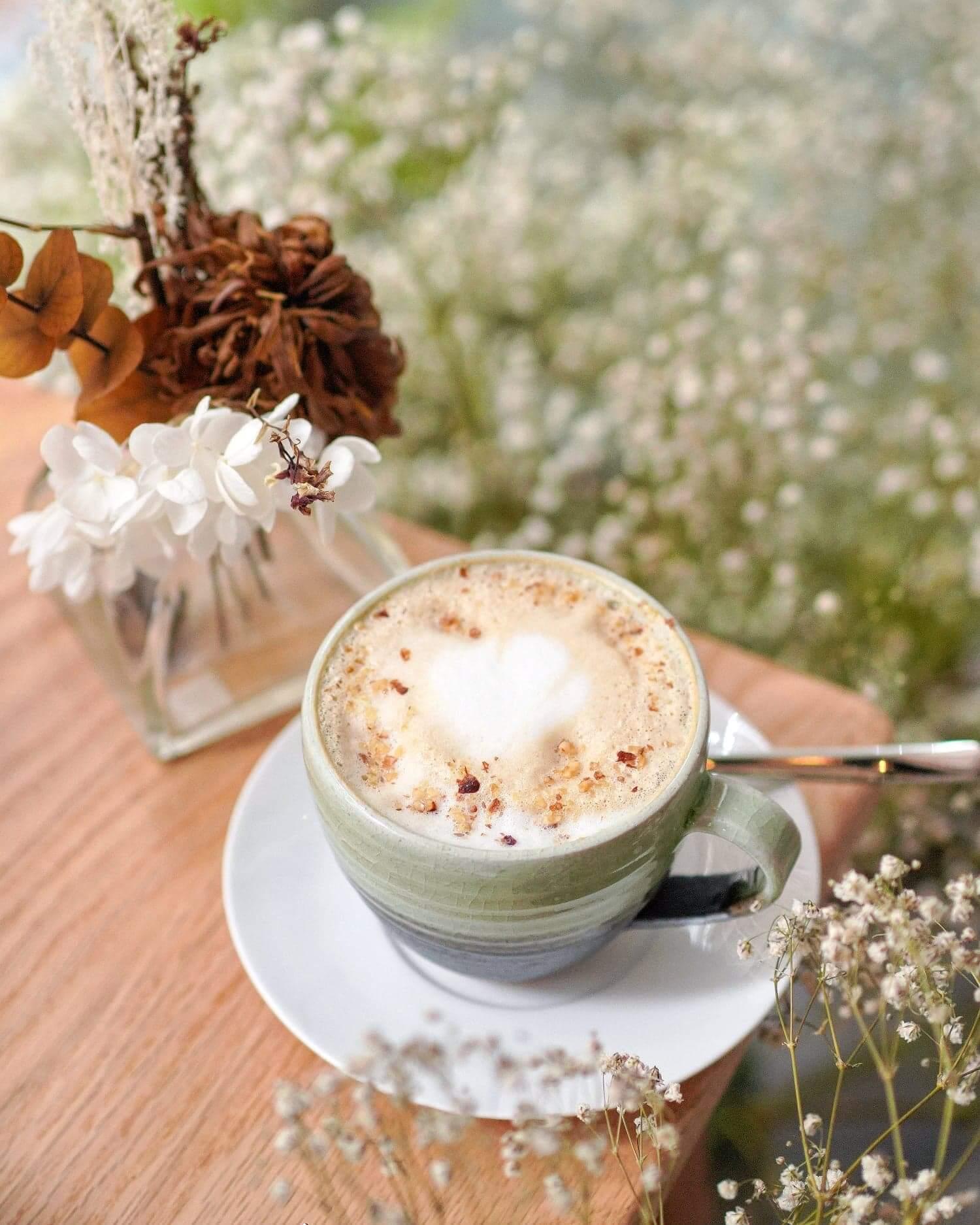 杏仁榛子咖啡比想像中高質。